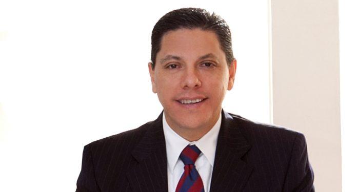 Carlos Adams de Hoteles City Express
