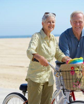Viajeros de la tercera edad, un sector potencial