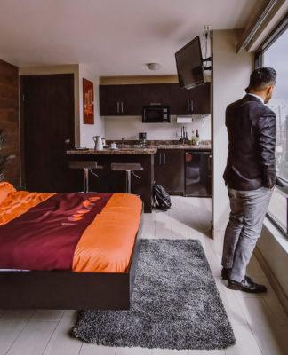 Viajeros de negocios buscan experiencias hoteleras