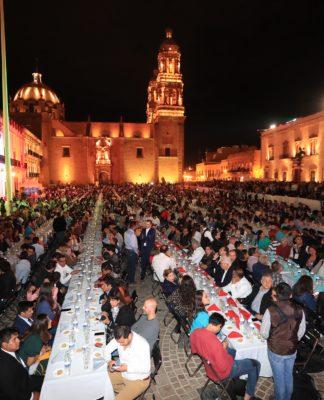 Zacatecas consigue Récord Guinness por cata de mezcal