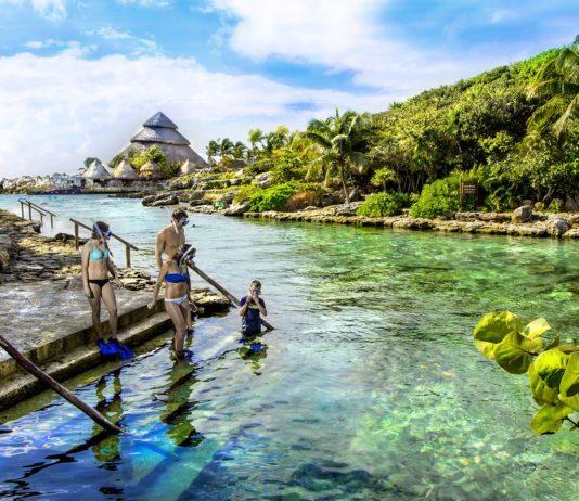 Grupo Xcaret lanza barcos de Cozumel hacia sus parques