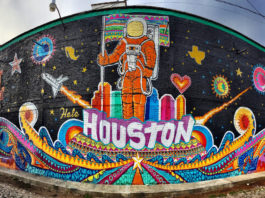 Hola Houston renueva alianza con United Airlines