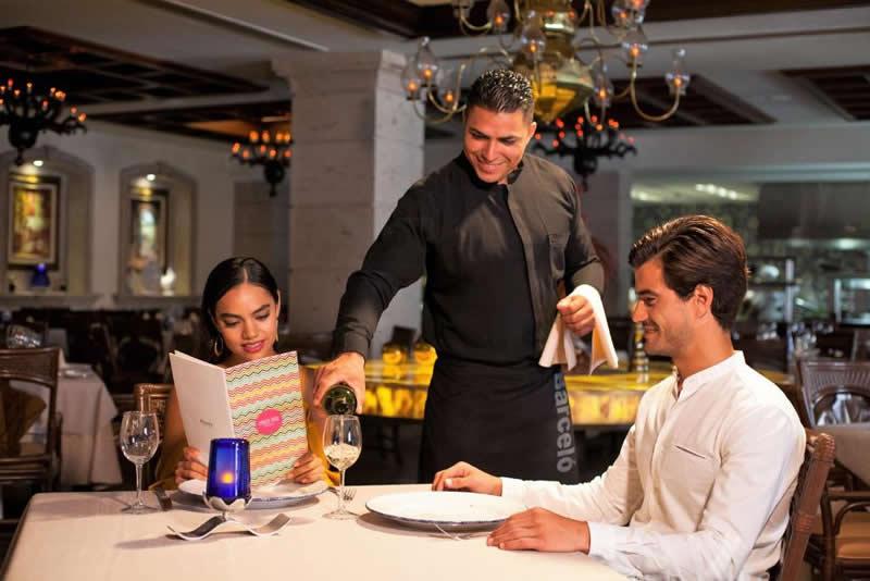 Barceló Hotels & Resorts, obtiene galardón como mejor marca hotelera líder en México y Centroamérica.