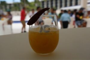 Explosión de sabores con los cocteles preparados durante el festival