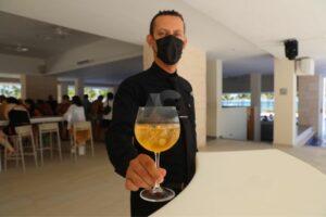 Jonathan Fernández, Gerente de Bares del complejo Barceló